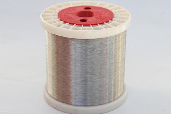 Stainless steel wire has a good ductility, high tensile strength and last long in use,high flexibility,abrasion resistance and corrosion resistance ,uniform diameter, smooth surface,bright color,ect.
